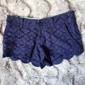 5/25 Lilly Pulitzer Short Navy Eyelet Scalloped